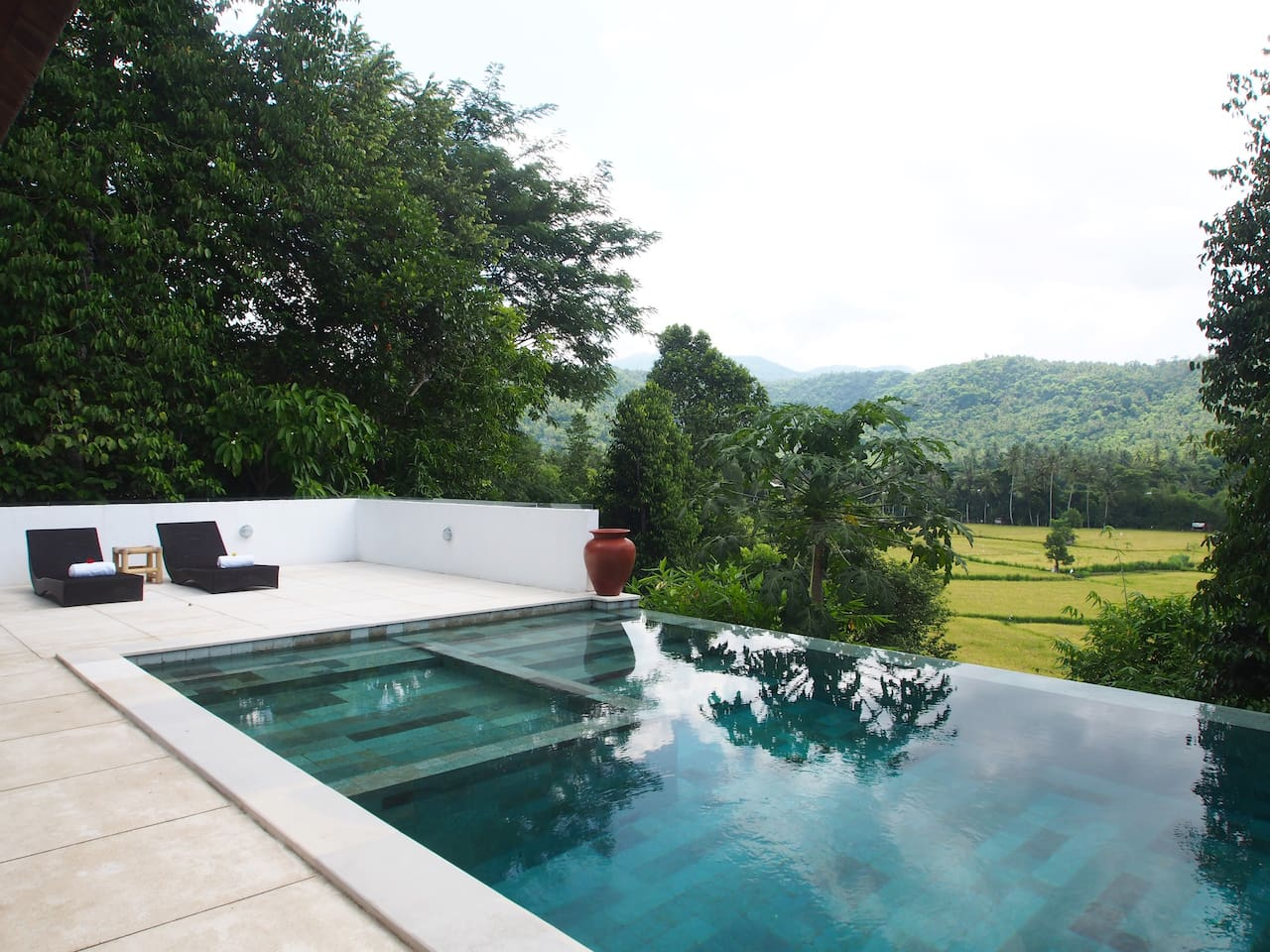 Pool and pooldeck