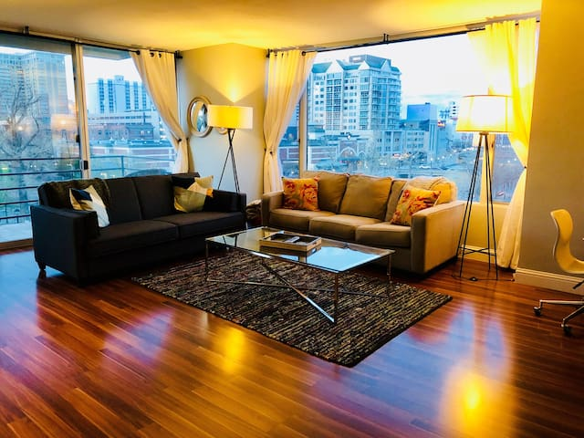 ❤️Stunning Views❤️On Riverwalk❤️Wow Factor 1BR2BA