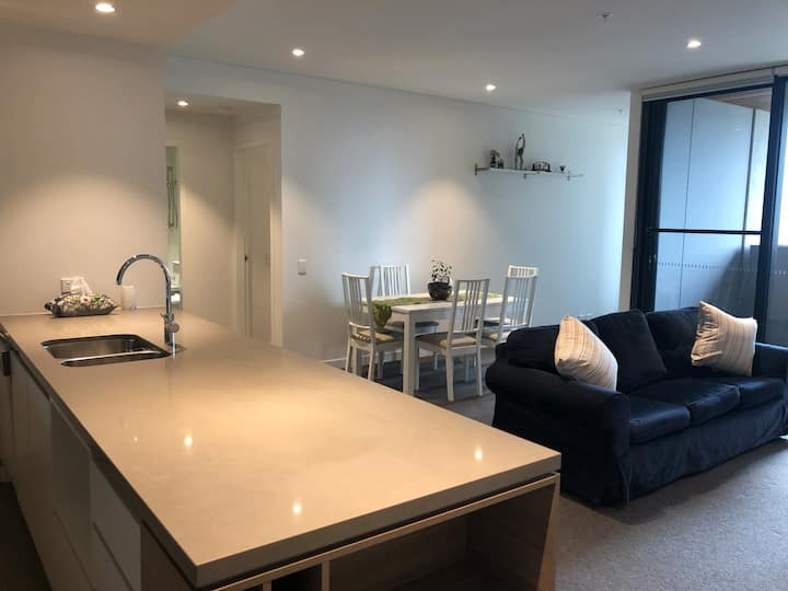 Entire Apartment 2mins walk to North Ryde Station