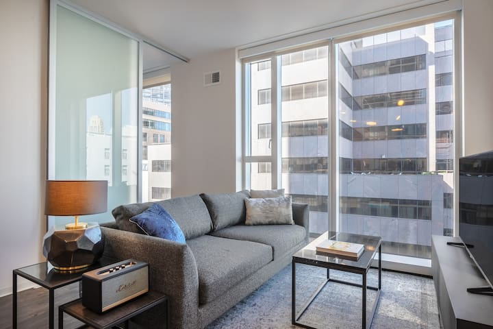 Smart SOMA 2BR w/ Yoga Room, BBQ, walk to Uber & Twitter, by Blueground