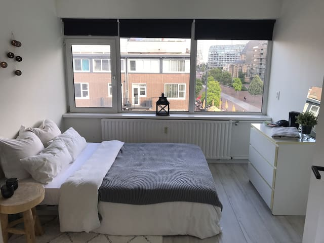 Perfect room on the perfect spot in Rotterdam City