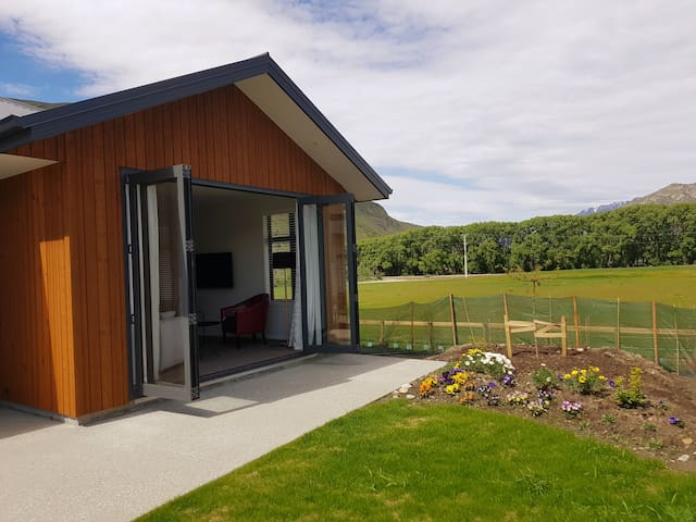 Beautiful Lower Shotover Home with a View