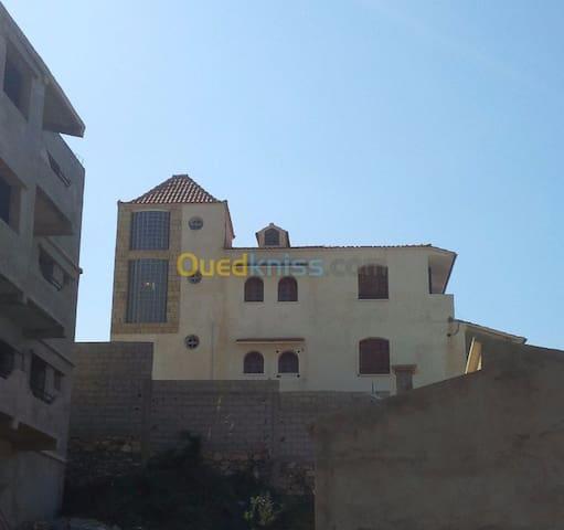Villa à Tighremt BEJAIA à 100m de la plage