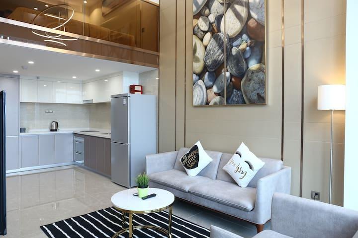 【Hangu】CBD|Pazhou Complex|US Con.|King Bed Loft R
