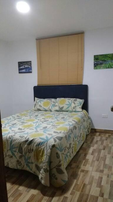 Habitación principal cama 140x 190