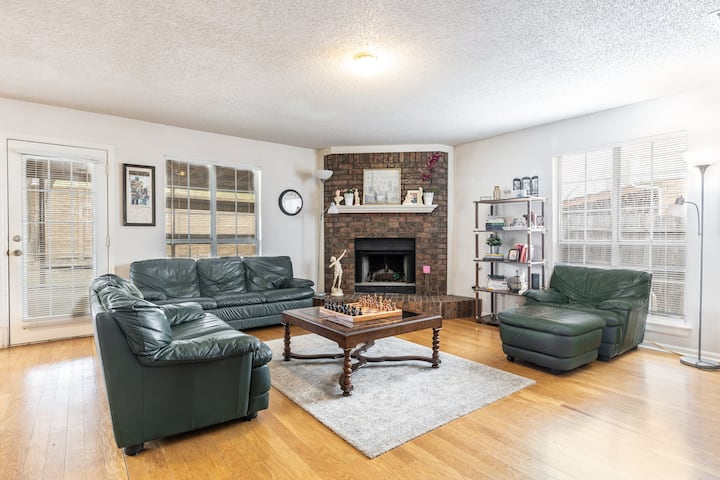 Grapevine Home - Perfect for Business Travel!