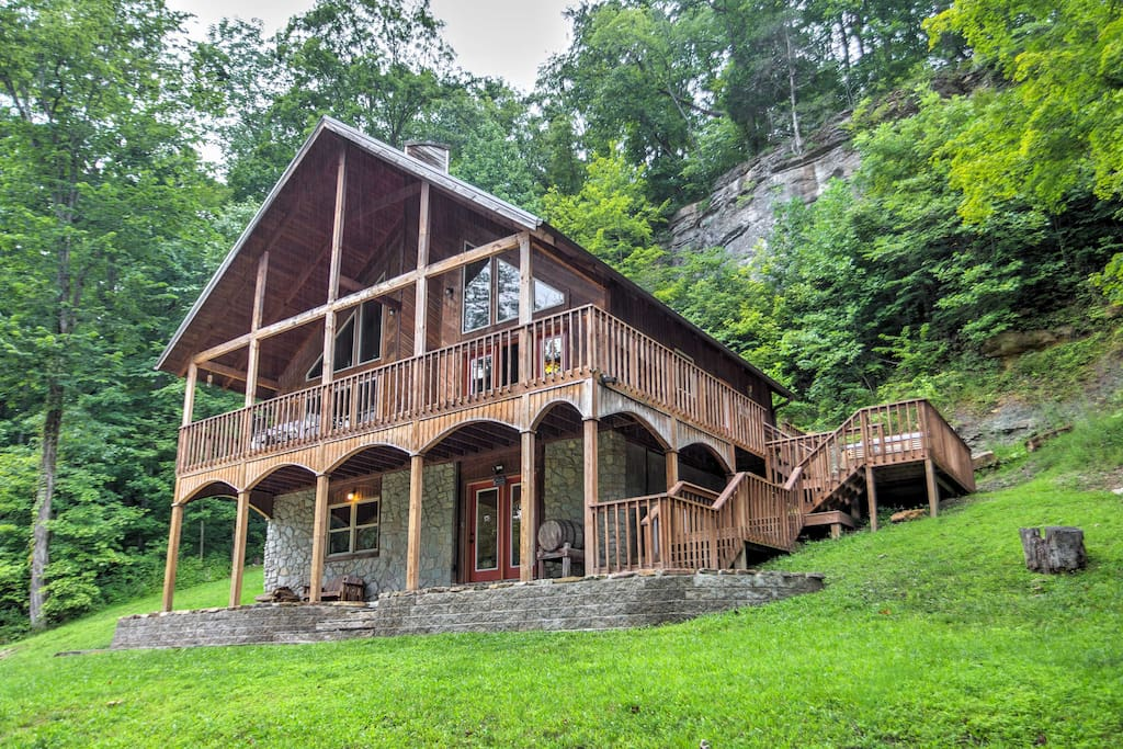 u002639;Wine Cellaru002639; 3BR Red River Gorge Cabin w/ Views!  Cabins for Rent in Stanton, Kentucky, United