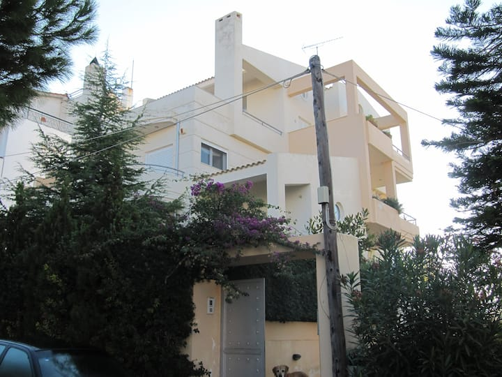 villa with sea view and swimming pool for sharing