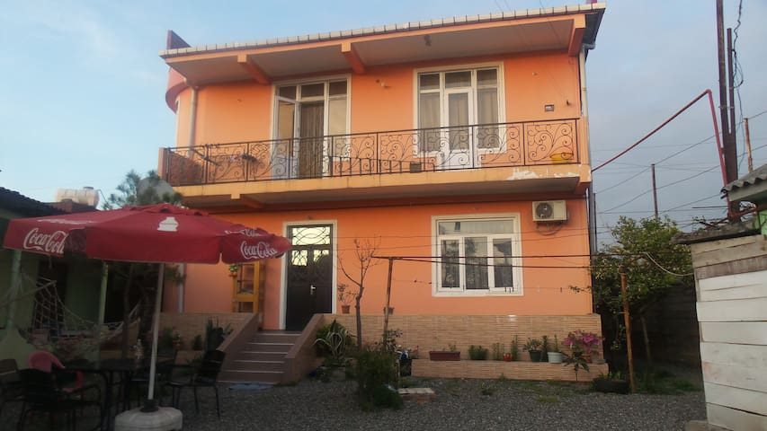 House In Batumi. Near New Boulevard and Black Sea. - Batumi - Rumah