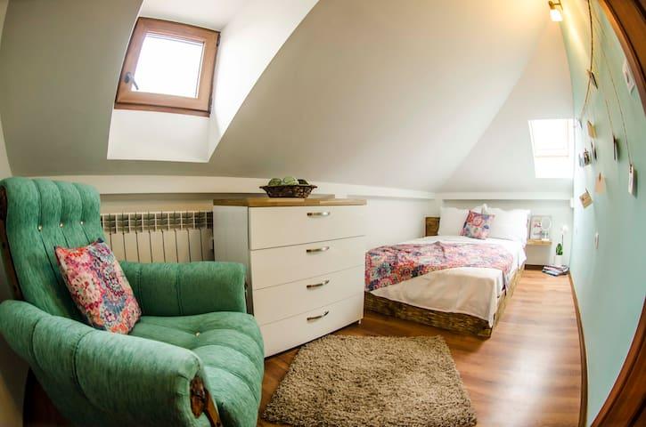 General view of bedroom.