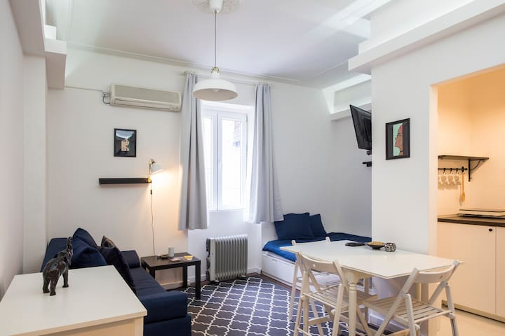 Cozy studio, 1 min walk to the main street