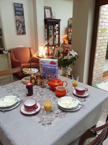 Double/King sized room/breakfast/Victorian house - Dublin - Bed & Breakfast