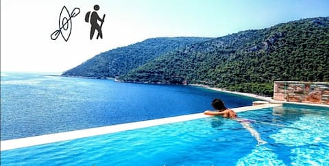 Nautilus-Luxury is private seafront in to the blue