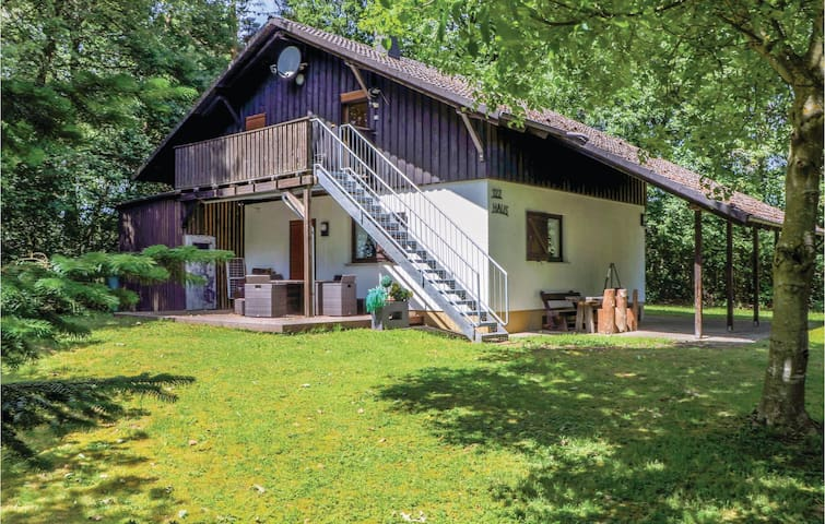 Holiday apartment with 2 bedrooms on 75 m² in Thalfang