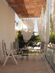 Casa vacanze al profumo di agrumi - Isca Marina - Haus
