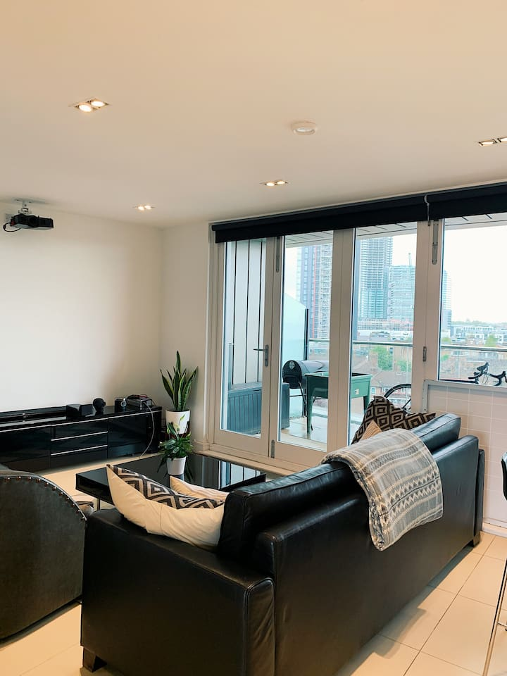 Modern flat in Shoreditch (old street)