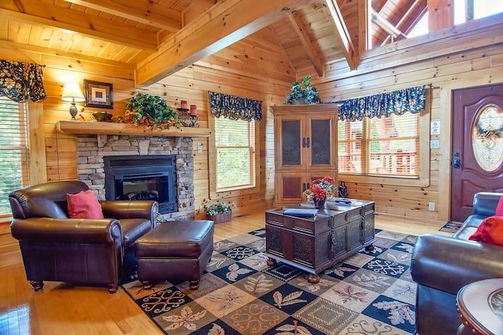 Beautiful Smoky Mountain Cabin! - Blackberry Lodge