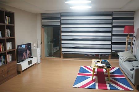 원주시 우산동 아파트 ( Room 3, Bath 2 ) - Wonju-si - Apartmen