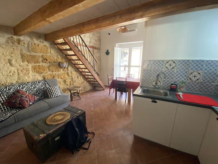 Studio apartment near Ballaro market