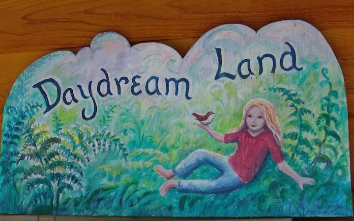 Daydream Land on Historic Kilcher Homestead