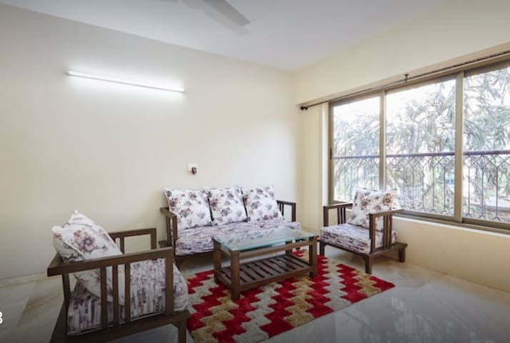 Room in a 2BHK at Airoli. Master Bed Room