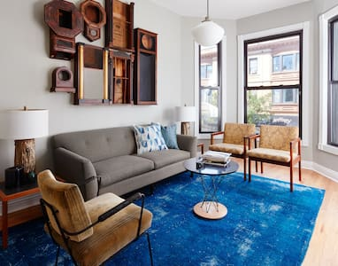 Premier Boystown Wrigleyville Lakeview Flat, 2A