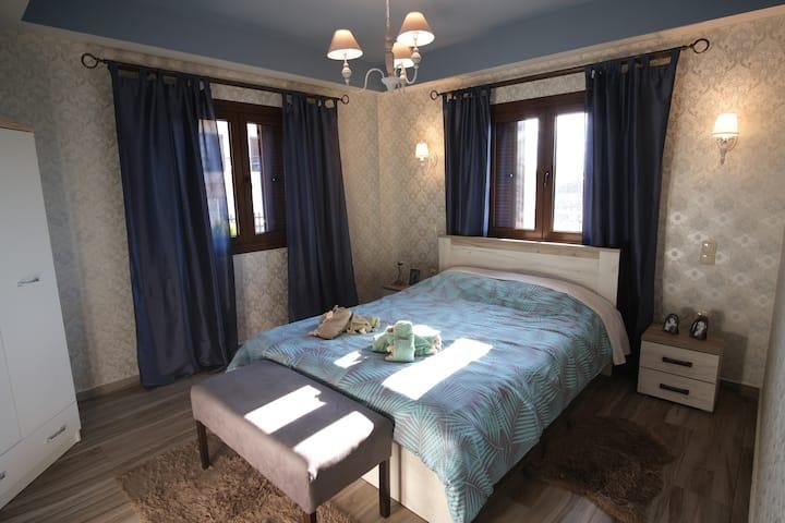 Mama's Cozy Room 3