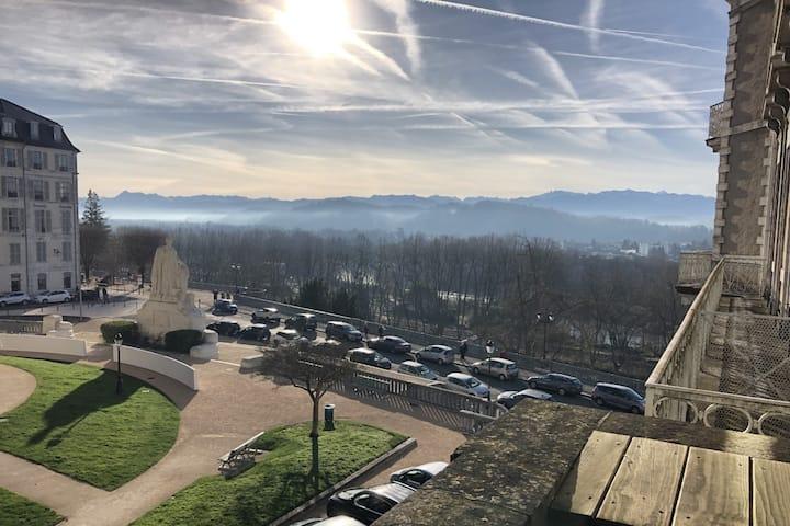 Belle chambre au cœur de Pau avec vu Pyrénées