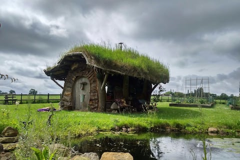 Hobbit House (sleeps 2/3 plus camping).