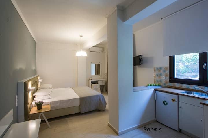 Hotel Oriana - Room 9 - Garden View