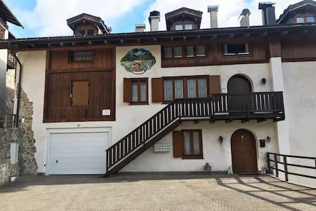 Appartamento con vista nel cuore della Val di Sole