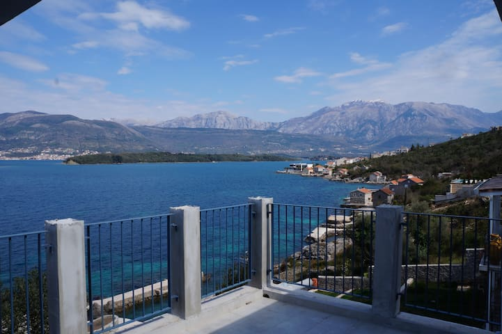 Brand new Villa on the shore of the Gulf of Tivat