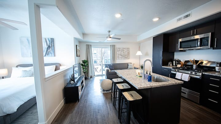 Kasa | Salt Lake City | Beautiful Studio Apartment