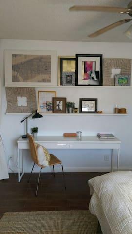 Chic, Private & Cozy LA Home