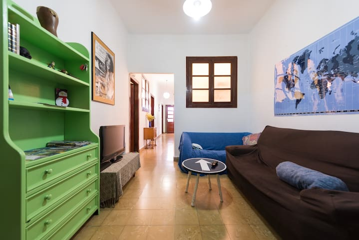 One double bed in a nice apartment - Las Palmas de Gran Canaria - Huis