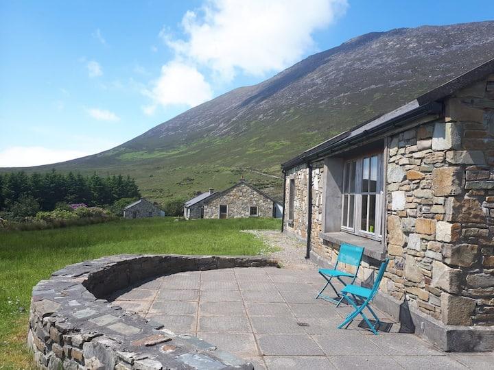 Doras Glas, Slievemore, Achill Island (with wifi)