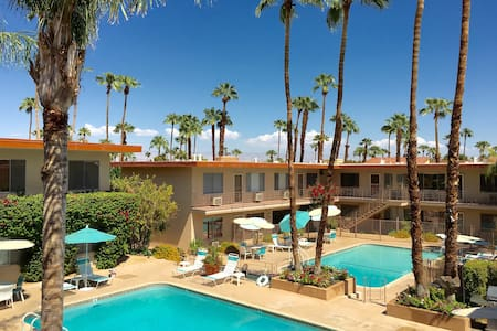 The Desert Skies Condo Your Home Away From Home ! - Palm Springs - Társasház