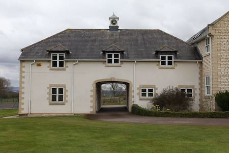 Barrettstown Lodge - Whitchurch