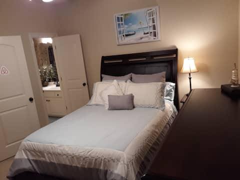 Private Bedroom with en suite Bathroom in Jenks