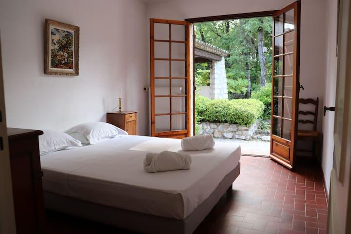 Chambre 2 - 2 lits 80 x 200