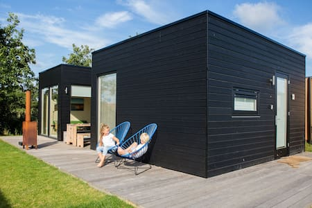 Vakantiehuisje Florizand, Design ingericht - Midsland - Hytte (i sveitsisk stil)