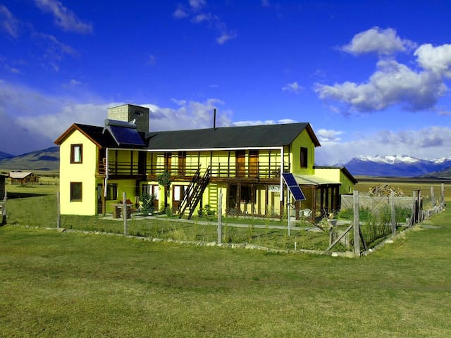 Room in Touristic Ranch-45k from the Glacier - 1
