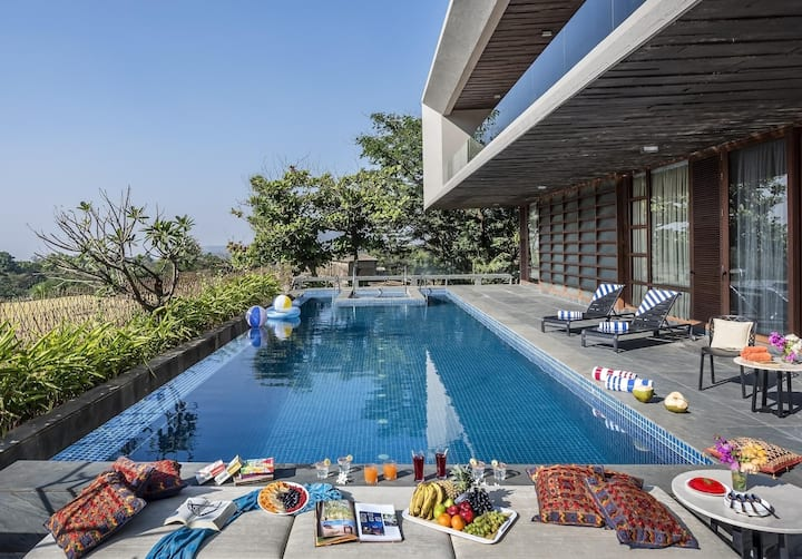5 BDR luxury Villa with Private Pool
