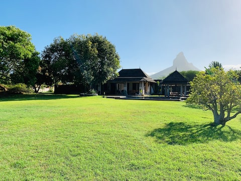 Villa d'exception au coeur du Golf de Tamarina