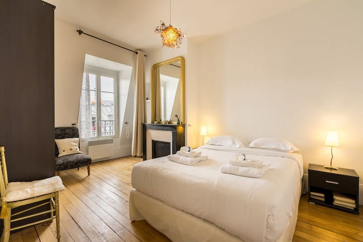 room with bed for 2 persons