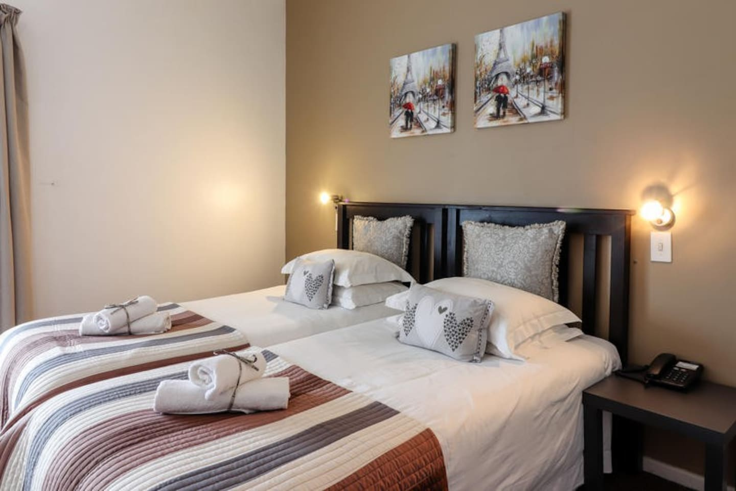 Family Room with Twin Bed & Bunk Bed photo 0