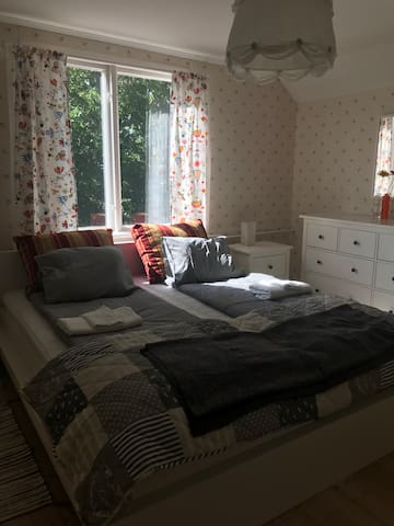 Sovrum övervåning
