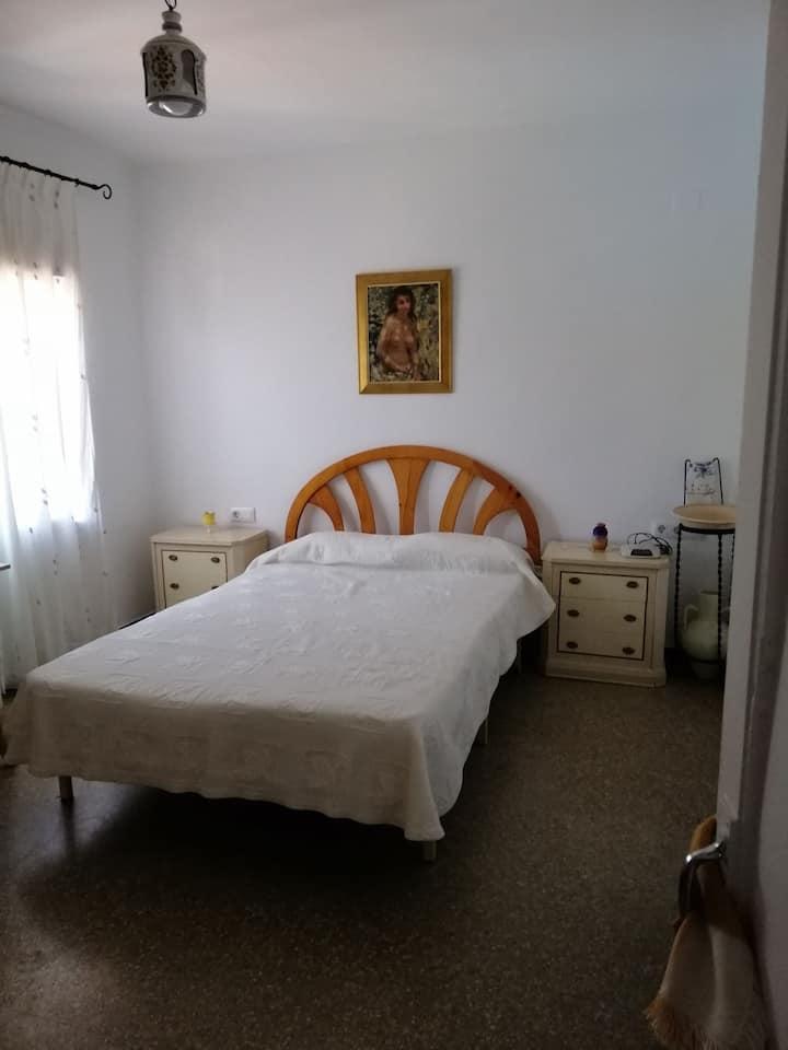 Habitación en Burjassot a 1 minuto del tranvia