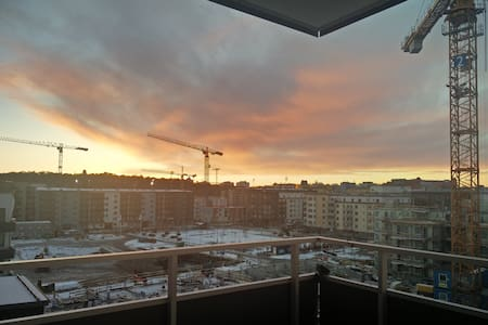 All-new Uppsala bedroom with own balcony - Uppsala - Wohnung