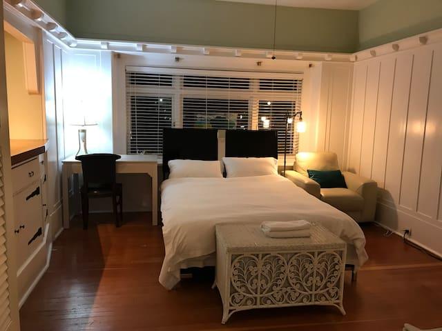 Nelson House-Room 1